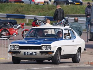 Nationale_oldtimerdag_Zandvoort_2010,_1974_FORD_CAPRI_RS_INJECTION_16-DT-36_pic2.JPG