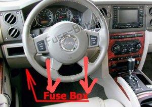 Jeep-Commander-XK-2006-2010_in_fuse_box_location~2.jpg