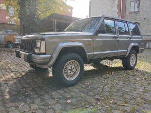 Jeep Cherokee.jpeg
