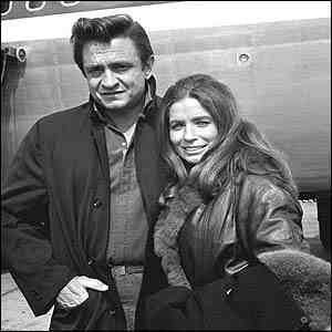 johnny_cash-june_carter-airplane.jpg